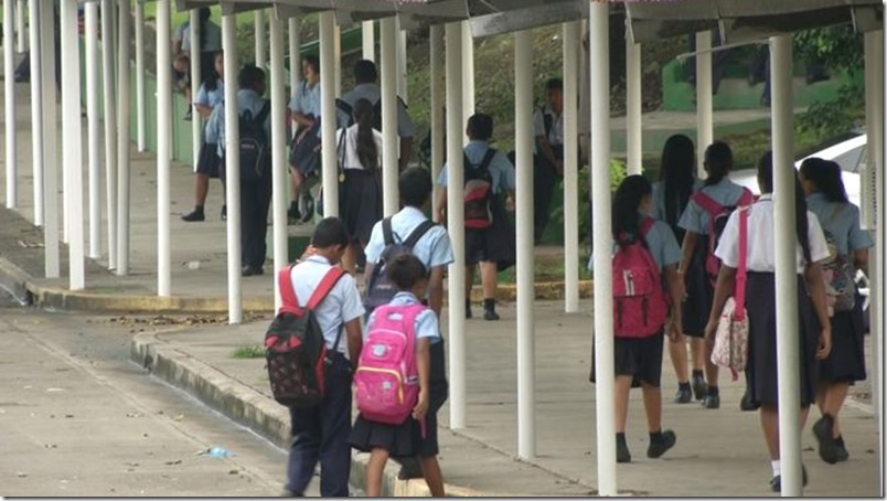 estudiantes-periodo-escolar-panama-foto-tvn